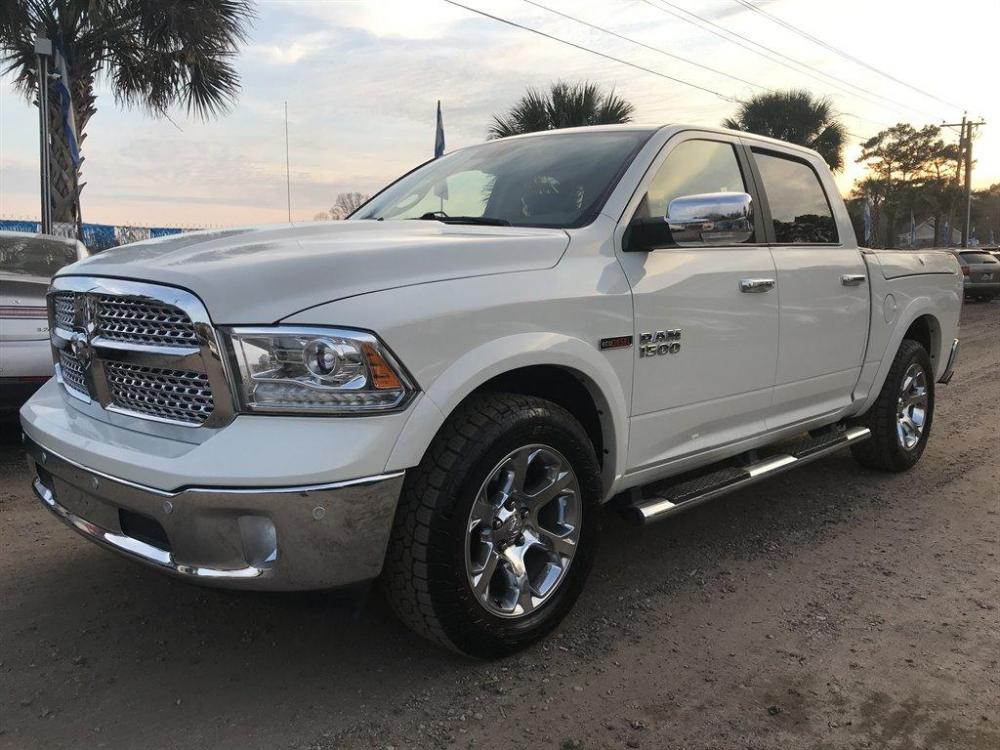 2017 White /Black Ram 1500 (1C6RR7NM2HS) with an 3.0l V6 DI Dohc Tdsl 3.0l engine, located at 745 East Steele Rd., West Columbia, SC, 29170, (803) 755-9148, 33.927212, -81.148483 - Photo #0