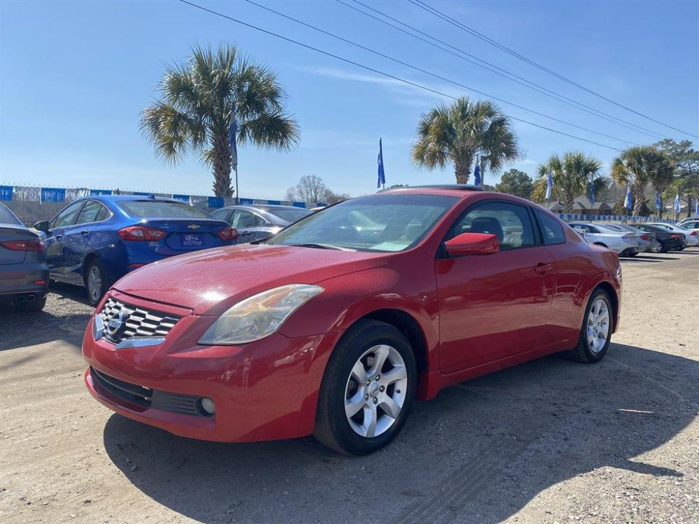 2008 Red /Tan Nissan Altima (1N4AL24E08C) with an 2.5l I-4 MPI Dohc 2.5l engine, Auto transmission, located at 745 East Steele Rd., West Columbia, SC, 29170, (803) 755-9148, 33.927212, -81.148483 - Photo #0
