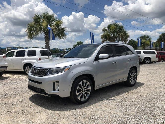 2015 Silver /Black Kia Sorento (5XYKWDA70FG) with an 3.3l V6 DI Dohc 3.3l engine, Automatic transmission, located at 745 East Steele Rd., West Columbia, SC, 29170, (803) 755-9148, 33.927212, -81.148483 - Photo #0