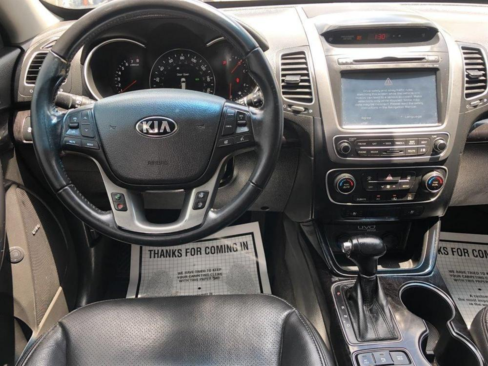 2015 Silver /Black Kia Sorento Limited (5XYKWDA70FG) with an 3.3l V6 DI Dohc 3.3l engine, Automatic transmission, located at 745 East Steele Rd., West Columbia, SC, 29170, (803) 755-9148, 33.927212, -81.148483 - Photo #4