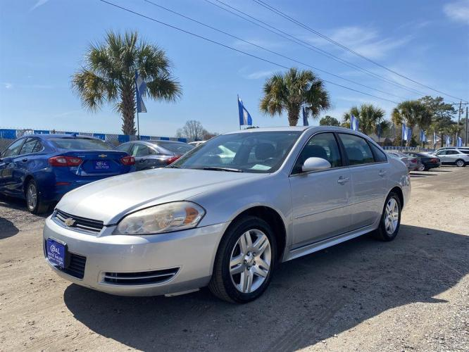 2014 Silver /Grey Chevrolet Impala Limited (2G1WB5E32E1) with an 3.6l V6 Sidi Dohc Flex 3. engine, Automatic transmission, located at 745 East Steele Rd., West Columbia, SC, 29170, (803) 755-9148, 33.927212, -81.148483 - Photo #0