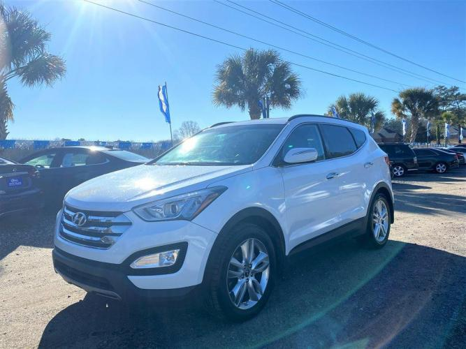 2013 White /Grey Hyundai Santa FE Sport (5XYZU3LA0DG) with an 2.0l I-4 DI Dohc T/C 2.0l engine, Automatic transmission, located at 745 East Steele Rd., West Columbia, SC, 29170, (803) 755-9148, 33.927212, -81.148483 - Photo #0